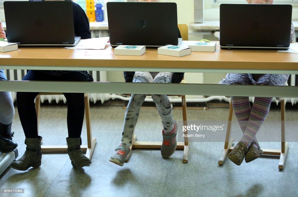 Google Supports Mini Computers For Berlin Schools : News Photo