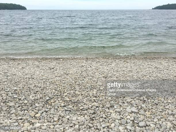 schoolhouse beach, washington island, wisconsin - staadts,_wisconsin stock pictures, royalty-free photos & images