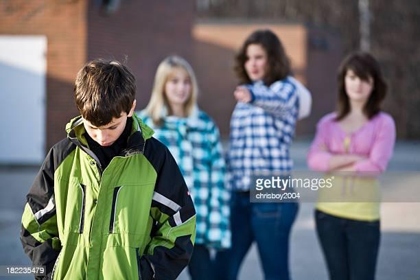 Patio de colegio acosadores