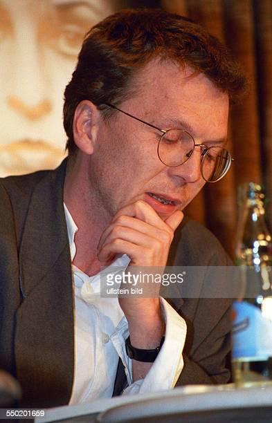 Schriftsteller Alexander Osang während einer Lesung anlässlich der Leipziger Buchmesse
