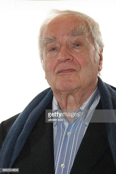 Schriftsteller Martin Walser während eines Pressetermin anlässlich der Präsentation des ZDFFernsehfilms Ohne Einander in Hamburg