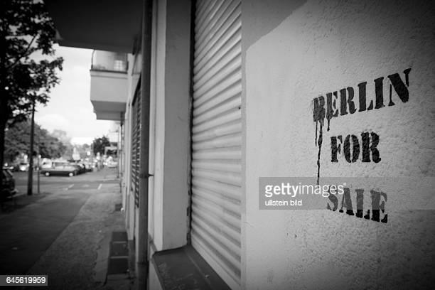 BERLIN FOR SALE Schriftzug an einer Hauswand in der ErichWeinertStrasse in BerlinPrenzlauer Berg