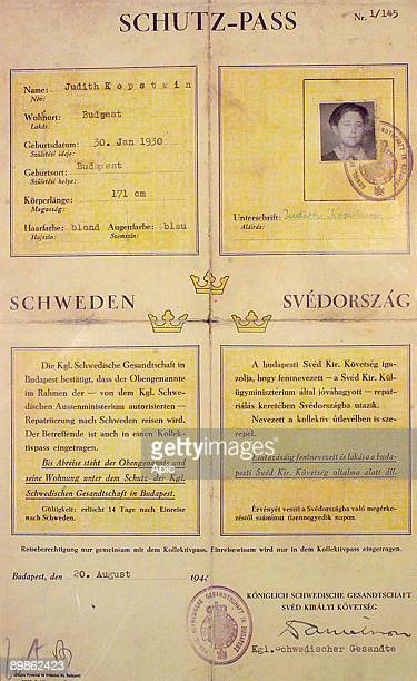 SchutzPass given to young jewish woman Judith Kopstein on august 20 1944 by swedish kingship it's Raoul Wallenberg who saved this woman