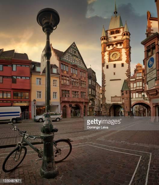 schwabentor, historical city gate in freiburg, germany - フライブルク・イム・ブライスガウ ストックフォトと画像