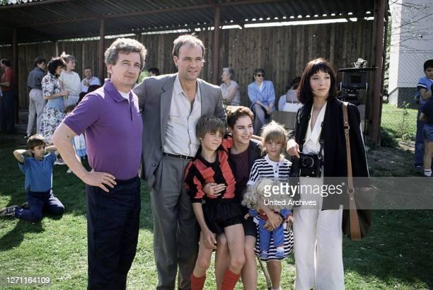 Schweigegeld BRD 1988 / Michael Meyer Nachdem ein Fernfahrer ermordet wurde, schlüpft Dorn in die Rolle eines arbeitssuchenden Fahrers, um an den...