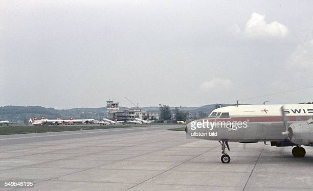 Schweiz ca 1958 Flughafen Zuerich Kloten