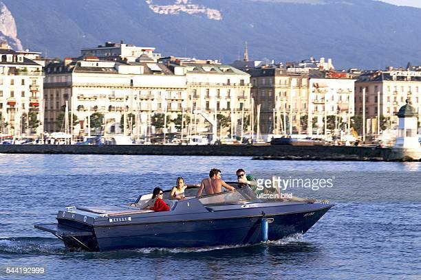 Motorboot in der Genfer Bucht