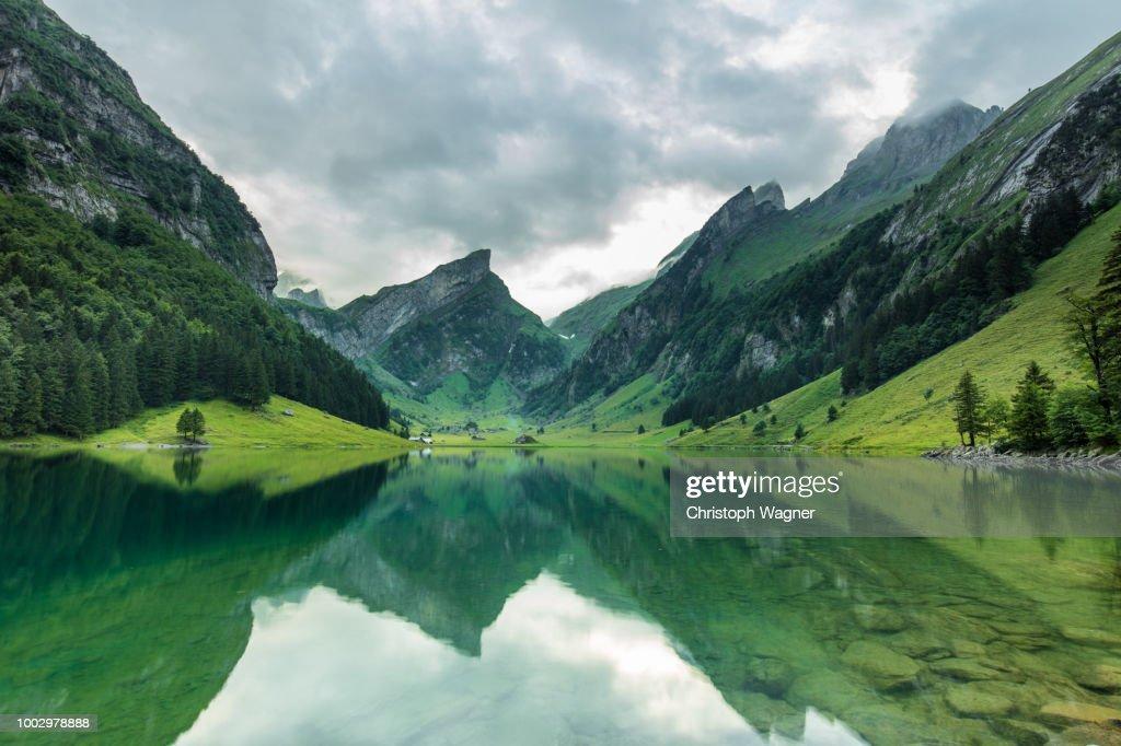 Schweiz- Seealpsee : Stock-Foto