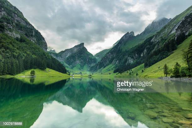 schweiz- seealpsee - switzerland stock pictures, royalty-free photos & images