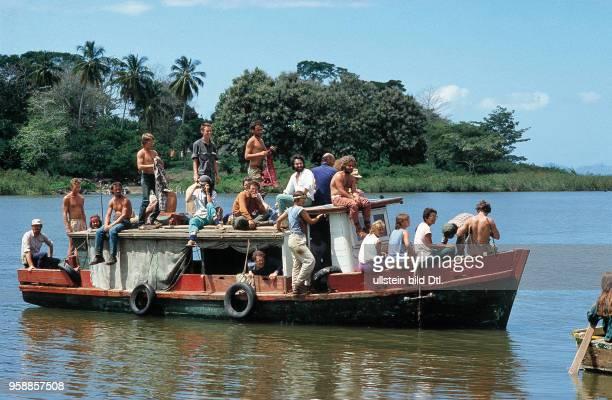 Schweizer Brigadisten und Brigadistinnen besuchen die Insel Zapotillo im Nicaraguasee