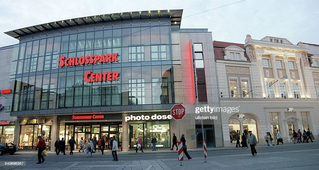 öffnungszeiten Schlosspark Center Schwerin