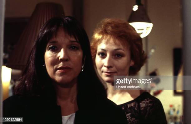 Schwestern', D 1997, Regie: Gero Erhardt, EVA KRYLL, SONA MACDONALD.