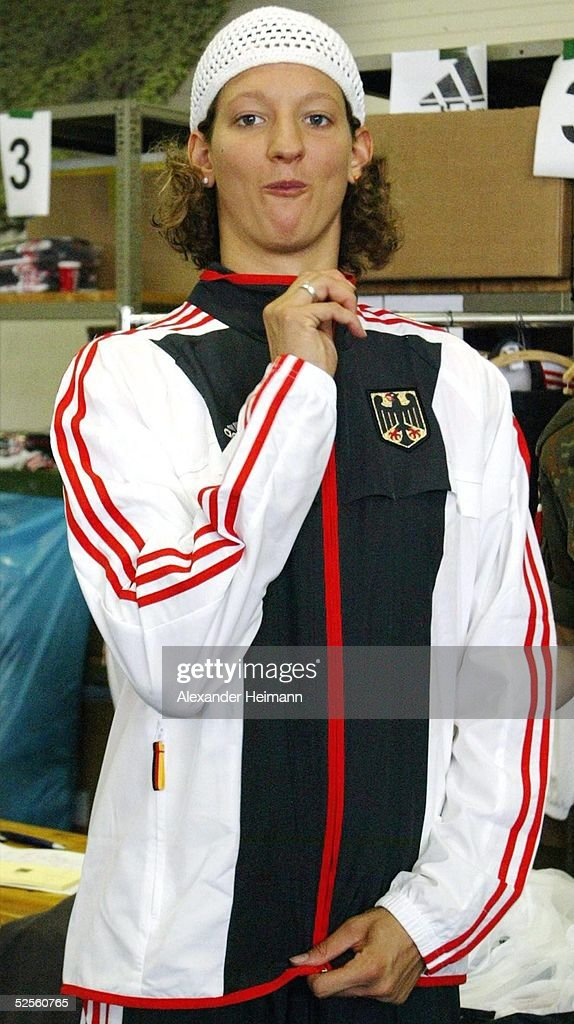 Olympia Mainz schwimmen olympia einkleidung 2004 pictures getty images