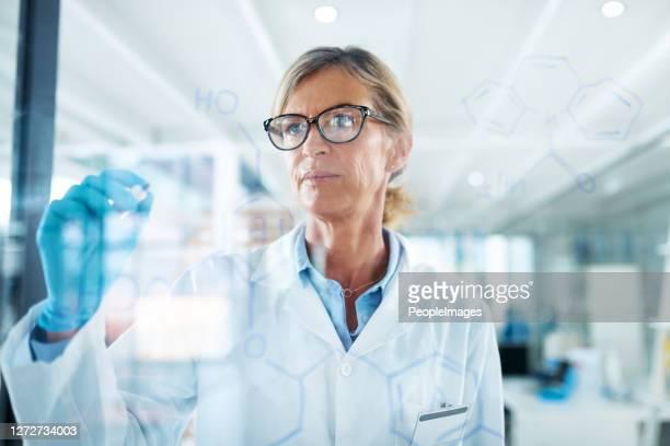 科学は本当にあなたの脳に挑戦します - 物理学者 ストックフォトと画像