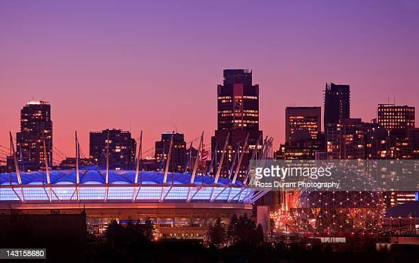 science world & bc place stadium, vancouver - bcプレイス・スタジアム ストックフォトと画像