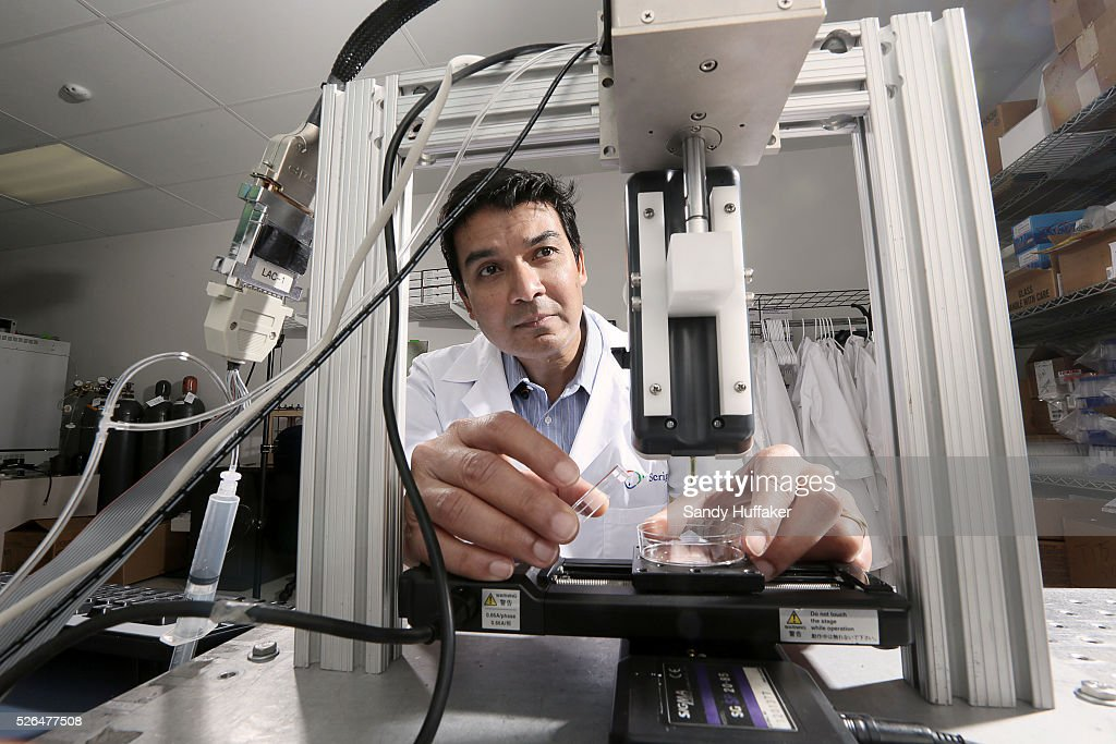 USA: Science: BioPrinters will revolutionize the world of medicine, churning out hearts, livers, an : News Photo