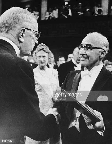 Scientist George Wald receives the 1967 Nobel Prize in Medicine from King Gustav Adolf of Sweden at the Stockholm Concert Hall, 10th December 1967....