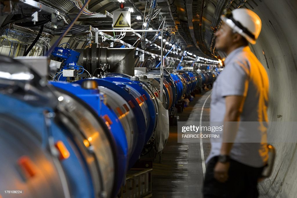 SWITZERLAND-FRANCE-SCIENCE-PHYSICS-PARTICLE-HIGGS : News Photo