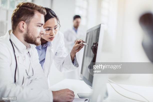 scientist working in the laboratory - biochemistry stock pictures, royalty-free photos & images