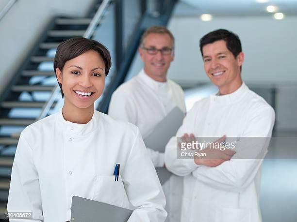 Wissenschaftler Lächeln im Büro