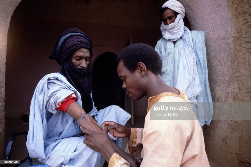 Scientists take blood samples from members of the Kel Kummer community. The Kel Kummer, a small tribe of ethnic Tuareg, have lived for centuries in the middle of the Sahara Desert. Cut off from the exterior world, their undiluted bloodline fascinates geneticists.