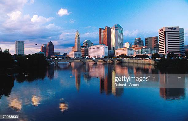 scioto river in front of city skyline, columbus, united states of america - columbus ohio stock pictures, royalty-free photos & images