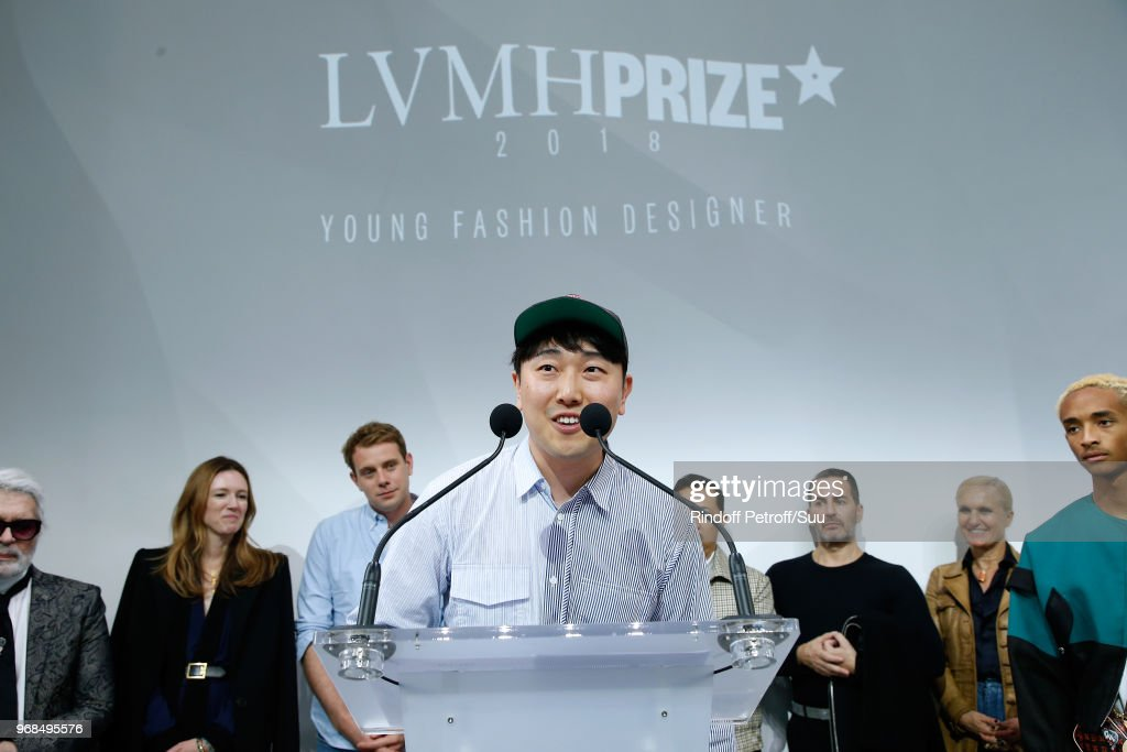 LVMH Prize 2018 Edition At Louis Vuitton Foundation In Paris : ニュース写真