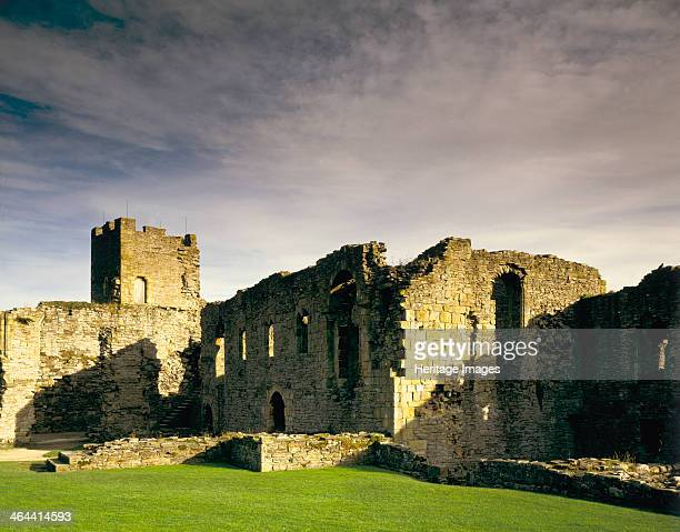 Scolland's Hall and the Gold hole tower Richmond Castle North Yorkshire 1987 Richmond Castle was established in the 11th century Scolland's Hall and...