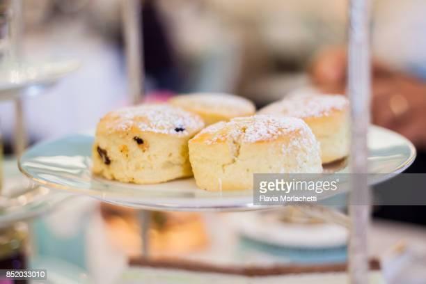scones for tea service - scone - fotografias e filmes do acervo