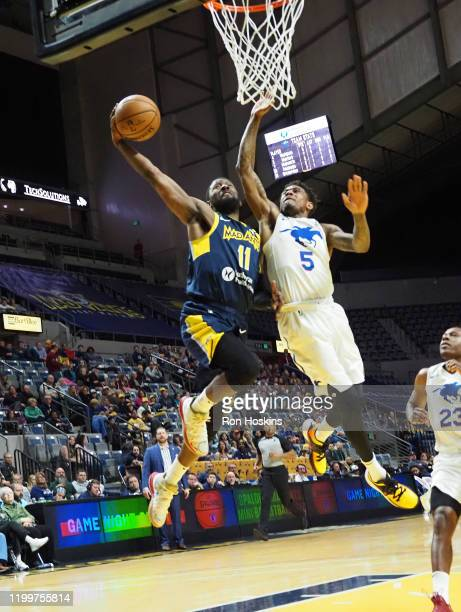 Scoochie Smith of the Fort Wayne Mad Ants shoots the ball against the Delaware Blue Coats on February 09, 2020 at Memorial Coliseum in Fort Wayne,...