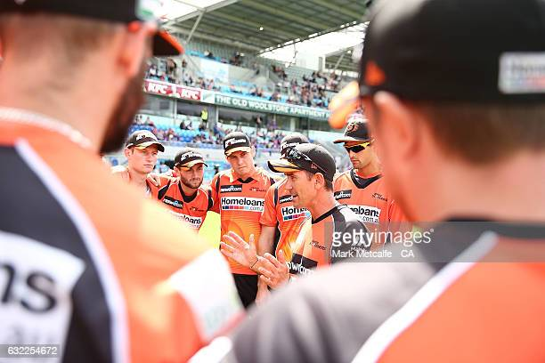 Scorchers coach Justin Langer talks to palyers before the Big Bash League match between the Hobart Hurricanes and the Perth Scorchers at Blundstone...