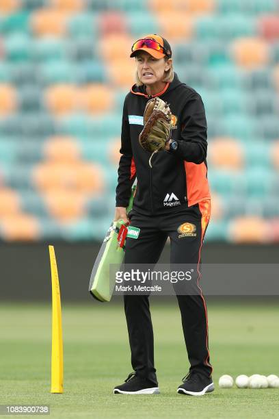 Scorchers head coach Lisa Keightley talks top players before the Women's Big Bash League match between the Hobart Hurricanes and the Perth Scorchers...