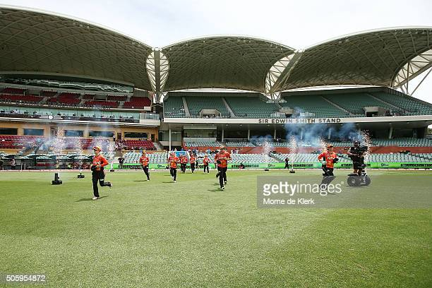 Scorchers players take to the field before the start of play in the Women's Big Bash League match between the Sydney Thunder and the Perth Scorchers...