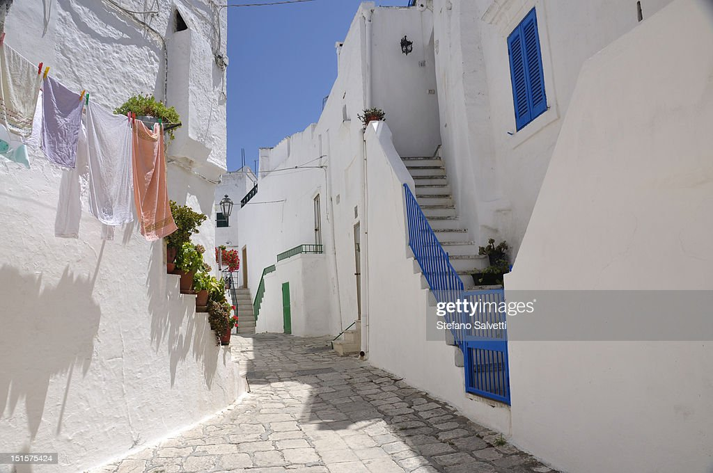 Scorcio di una via di Ostuni : Stock Photo