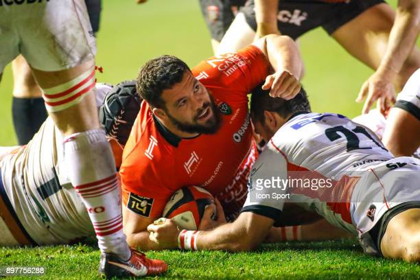 Score a try Marcel Van Der Merwe of Toulon during the Top 14 match between Toulon and Oyonnax at Felix Mayol Stadium on December 23 2017 in Toulon...