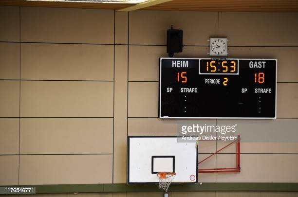 scoreboard on wall - scoreboard stock pictures, royalty-free photos & images
