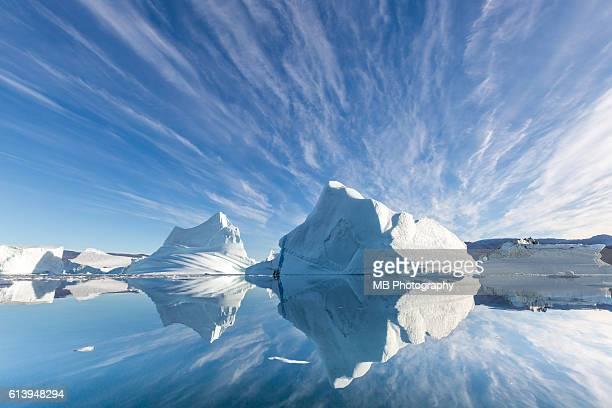 scoresby sund - iceberg photos et images de collection