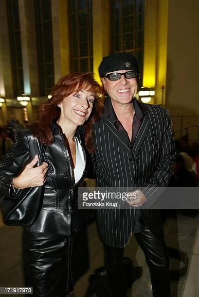 Scorpions Klaus Meine Und Ehefrau Gabi Bei Der Ifa Night Charity Gala Zugunsten Der Nordoff Robbins Stiftung