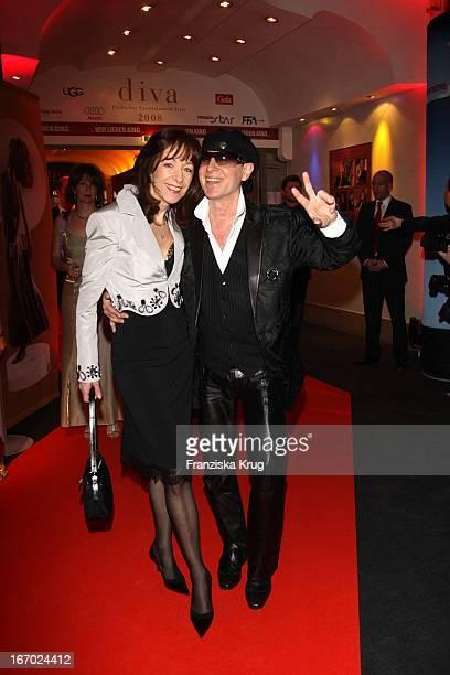 Scorpions Sänger Klaus Meine Und Ehefrau Gabi Bei Der Verleihung Des Medienpreises Diva Im Deutschen Theater In München Am 240108