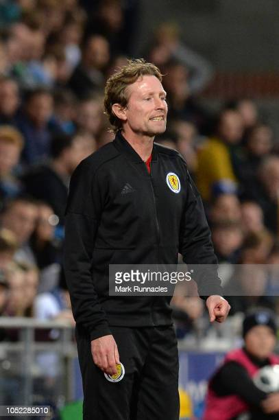 Scot Gemmill Manager of Scotland U21 gives his team instructions during the 2019 UEFA European Under21 Championship Qualifier match between Scotland...