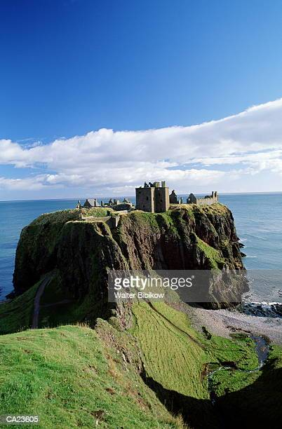 scotland, aberdeen, stonehaven, dunnotar castle - dunnottar castle stock pictures, royalty-free photos & images