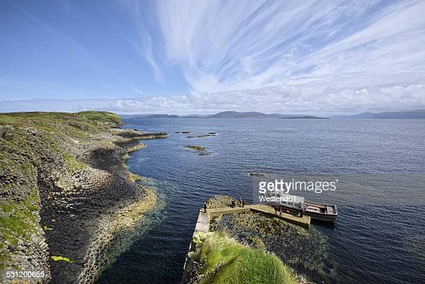 uk, scotland, argyll and bute, view from rock island staffa - insel stock pictures, royalty-free photos & images