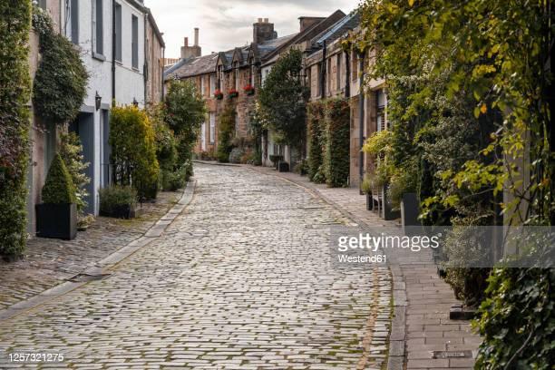 uk, scotland, edinburgh, view of circus lane - alley stock pictures, royalty-free photos & images