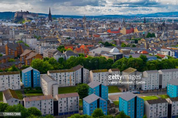 scotland - einburgh view - skyscraper stock pictures, royalty-free photos & images