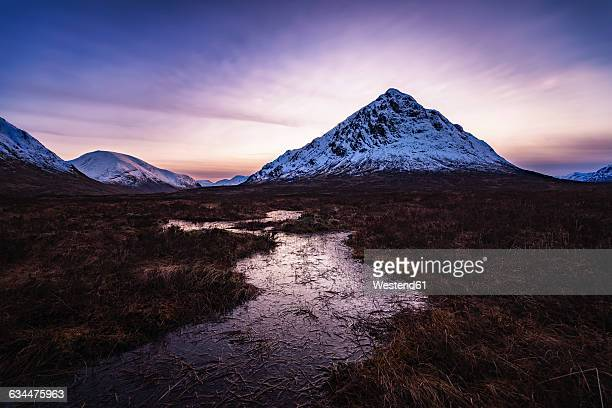 scotland, highlands, glen etive, buachaille etive mor, mountain in the evening - glen etive mor stock pictures, royalty-free photos & images