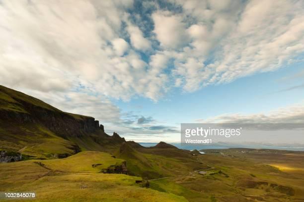 uk, scotland, isle of skye, quiraing - hochplateau stock-fotos und bilder