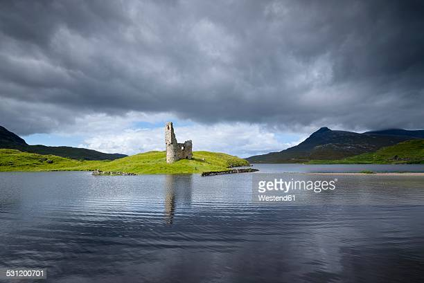UK, Scotland, Sutherland, Ardvreck Castle at Loch Assynt