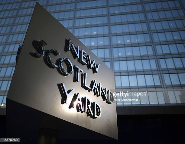 Scotland Yard headquarters of the Metropolitan Police on October 24 2013 in London England Eight Romanian and three Polish officers are to work in...