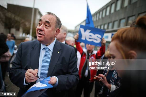 Scotland's First Minister Alex Salmond campaigns in the East Kilbride shopping centre on September 17 2014 in Glasgow Scotland The referendum debate...