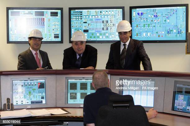 Scotland's First Minister Alex Salmond Jose Luis Del Valle chief executive of Scottish Power and Ignacio Galan chief executive and Chairman of...